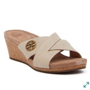 UGG Lyra Crisscross Wedge Sandal
